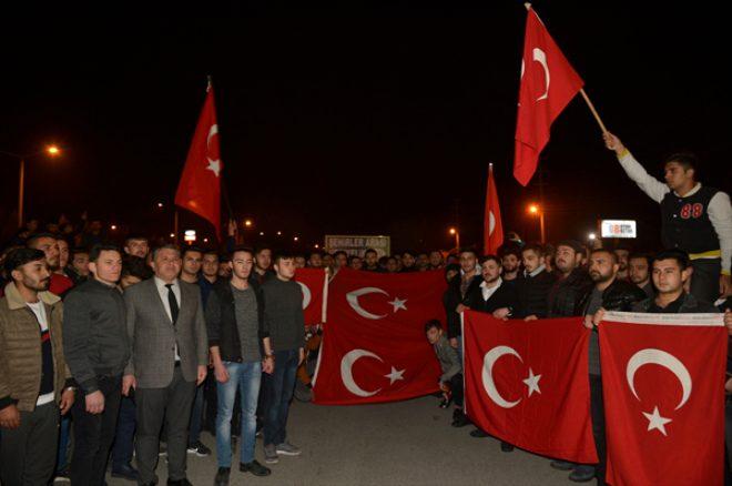 Türkiye Mehmetçik için sokaklara döküldü, tek yürek oldu!