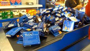 Amerikalı vatandaş salgın paniğiyle kutularca kondom aldı! İşte ABD marketlerinden ilginç koronavirüs manzaraları