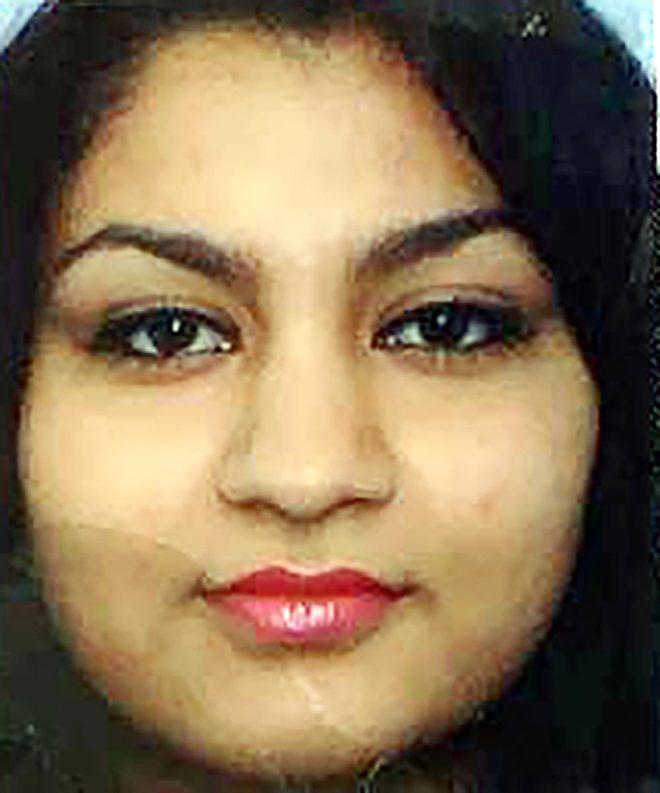 Avusturya'da koronavirüsten hayatını kaybeden 28 yaşındaki genç kadının cenazesinde dikkat çeken detay! Siyah naylonla kaplandı