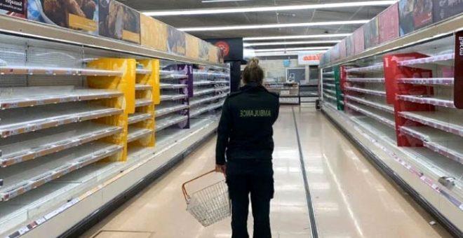 Alışveriş için markete giden sağlık çalışanı, boş rafları görünce gözyaşlarına boğuldu