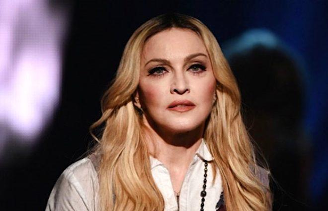 Küvette çıplak video çeken 61 yaşındaki Madonna virüs tespitiyle tepki çekti