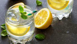 Bağışıklık sistemini demir gibi yapan Limonlu suyun vücuda olan etkisi inanılmaz