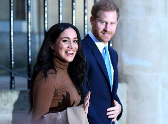 Kraliçe Elizabeth'e ahlaksız teklif! Sapkın çift, prensin evini cinsel ilişki partisi için istedi