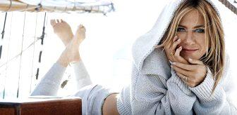 Karantinada sıkılan Jennifer Aniston, koronaya el hareketi yaptığı fotoğrafla tepki gösterdi
