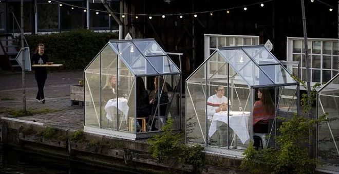 Koronavirüse karşı cam kabin uygulaması getiren restoran tüm dünyaya örnek oldu