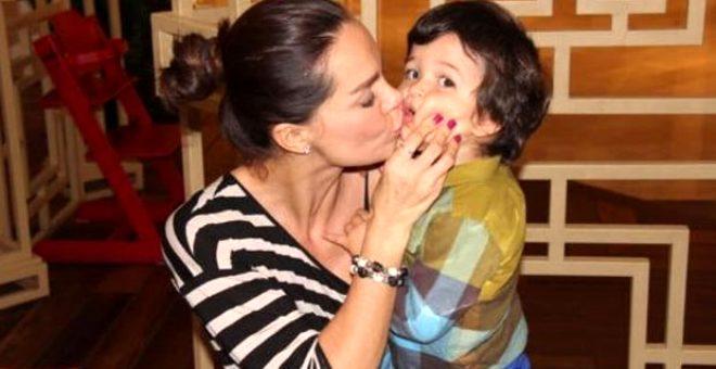 Oğlunu kaybeden Ebru Şallı'dan Anneler Günü'nde yürek yakan söz: Birileri içime ateş topu atmış gibi