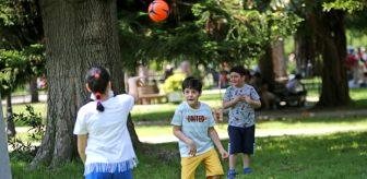 Yasak kalktı, parkların sahipleri geri döndü! Kısıtlama kalkınca çocuklar park ve bahçelere koştu