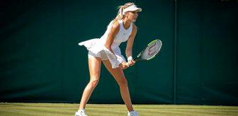 Yaşlı insanların yardımına koşan güzel tenisçi Katie Boulter büyük takdir topladı