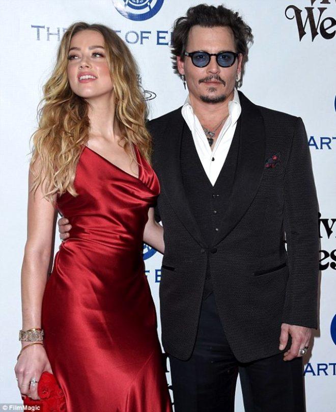 Johnny Depp'ten bomba iddia: Eşim, Elon Musk ve İngiliz model Cara Delevingne ile üçlü ilişki yaşadı