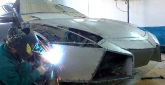 Genç mühendis elindeki hurda aracı, Lamborghini'ye dönüştürdü!