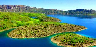 Türkiye'nin birinci dünyanın ikinci büyük Nemrut Krater Gölü doyumsuz manzarası ile hayran bırakıyor