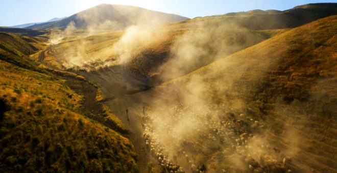 Azmin ve zaferin tablosu! Her gün batımında Nemrut Dağı'nda tozlar gökyüzüne ulaşıyor