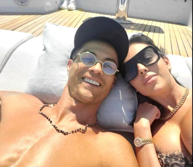 Cristiano Ronaldo'nun sevgilisi Georgina Rodriguez'in yüzük paylaşımı evlilik dedikodularını yeniden alevlendirdi