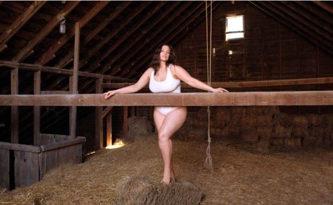 'New York'un yarısıyla yattım' diyen büyük beden model Ashley Graham kırmızı bikinisiyle olay oldu