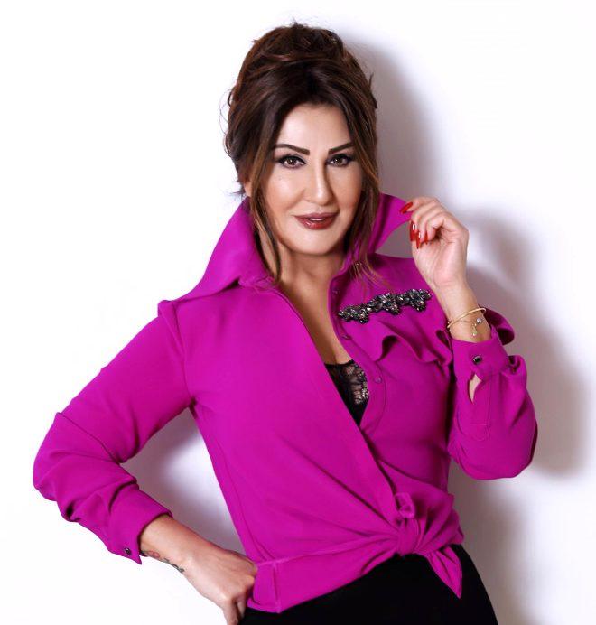Türk Pop Müziği'nin 66'lık güzeli mayolu pozuyla sosyal medyayı salladı