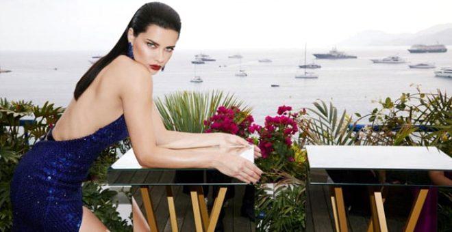 Adriana tatil sezonunu bikinili selfie pozuyla açtı! Takipçileri gözünü alamadı