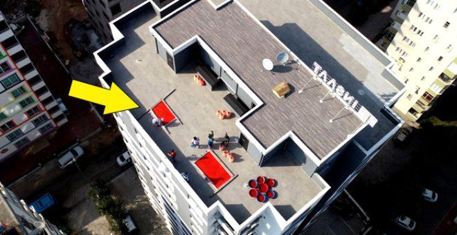 Adana'da salça hazırlama telaşı başladı! Evlerin çatıları kırmızıya boyandı