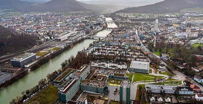 Film sahnesi değil gerçek! İsviçre'de bir kasabaya, fabrikada gerçekleşen kaza sonucu çikolata yağdı