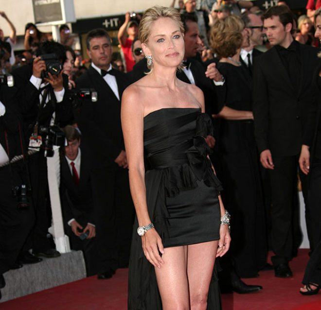 62 yaşındaki oyuncu Sharon Stone sette maruz kaldığı tacizi itiraf etti: Yönetmen kucağına oturmamı istedi
