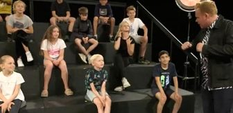 Çocuk kanalında büyük rezalet: Yetişkinler çocukların önünde soyundu