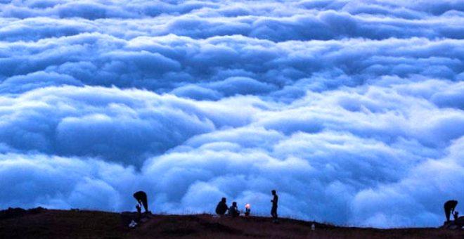Bulutların üzerindeki yayla seyri doyumsuz manzarasıyla büyülüyor