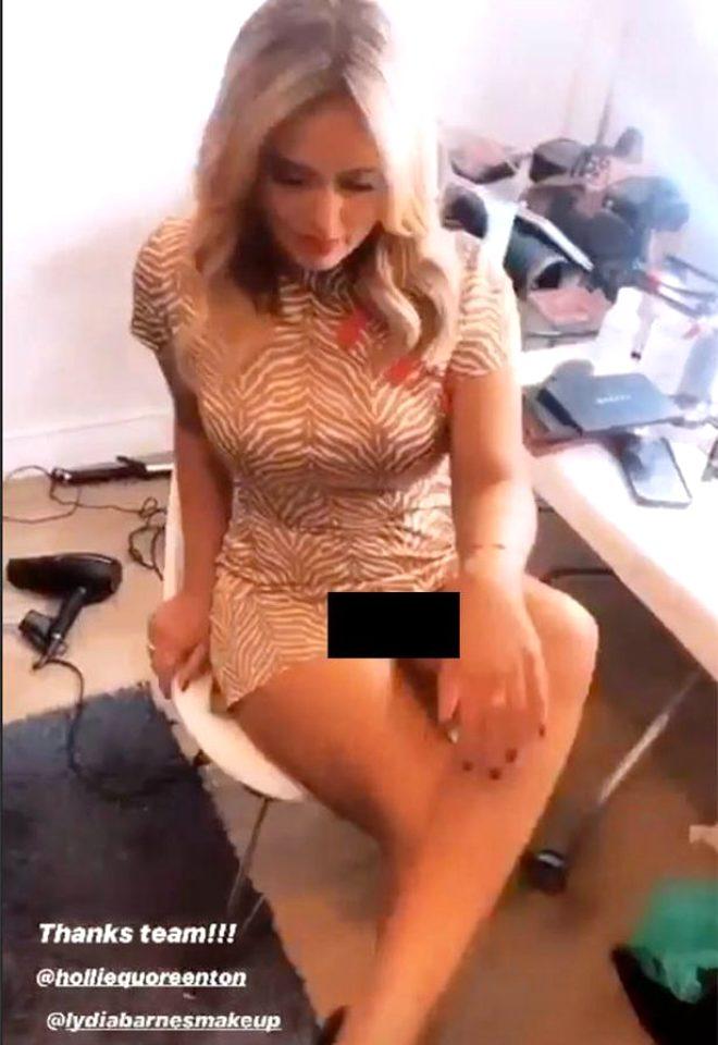 TV yıldızı Emily Atack'in bacak bacak üstüne attığı sırada iç çamaşırı göründü