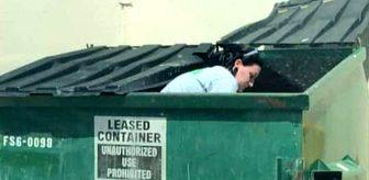 Şeytanın bile aklına gelmez! Çöplerden topladığı makyaj malzemelerinden ayda 20 bin TL kazanıyor
