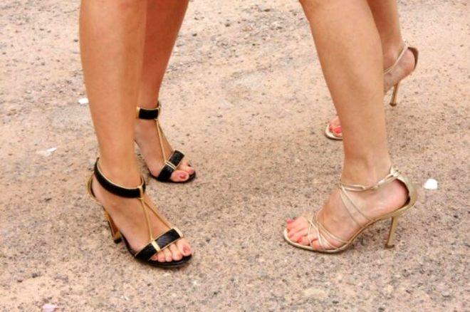 Yunanistan'ın tarihi bölgelerinde topuklu ayakkabı giymek yasak