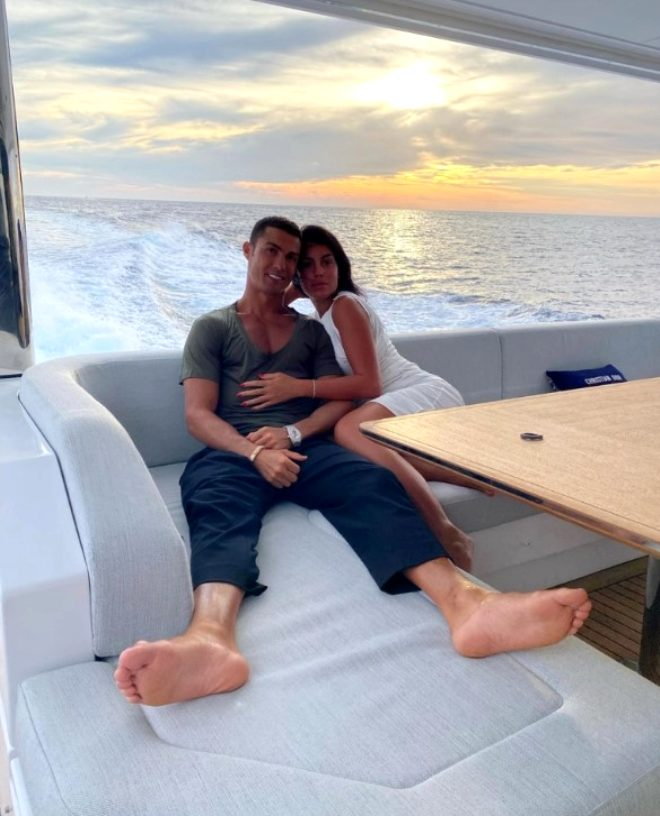 Milyonların içinde yüzen Ronaldo'nun kız arkadaşı geçmişiyle yürek burktu: İnsanlara yemek almaları için yalvardım