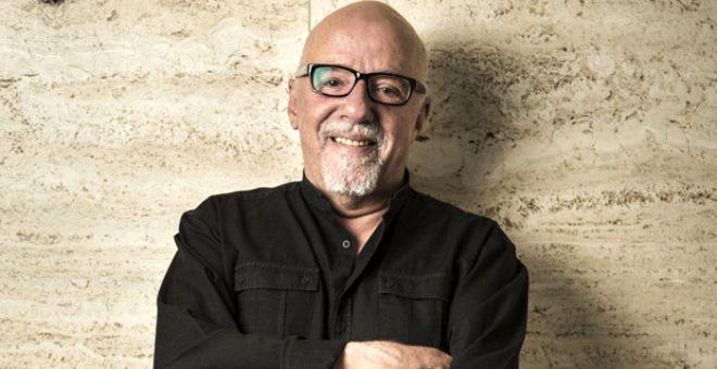 Dünyaca ünlü yazar Paulo Coelho Kuran'dan ayet paylaşarak İzmir'e bağış yapacağını duyurdu