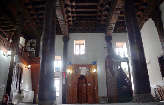Çivisiz, 800 yıldır ayakta! Bu caminin sırrını duyan hayran kalıyor