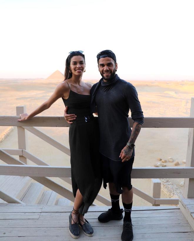 Futbolcu eşini öve öve bitiremeyen ünlü modelin yatak itirafı takipçilerini şaşkına çevirdi