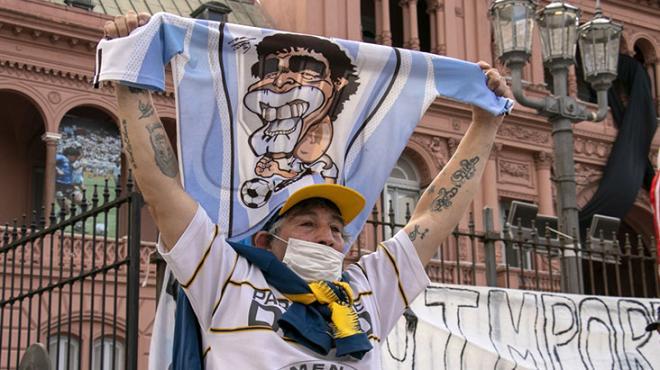 Maradona'nın cenazesi ülkesinde çatışma çıkarttı! Ortalık bir anda karıştı