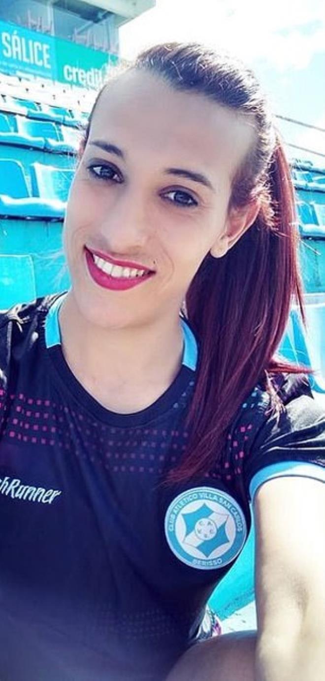 Dünya futbolunda tarihi gün! Trans futbolcu ilk resmi maçına çıktı
