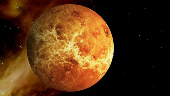 2028 - Yeni bir enerji keşfediliyor. Dünya'da açlık azalıyor. Venüs'e insanlı araç gönderiliyor
