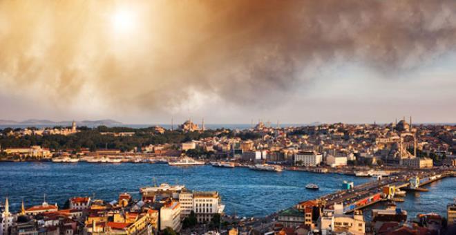 Her dediği çıkan astrolog Kassandra'dan ürküten kehanet! İstanbul'un tepesinde bomba patlayacak gökyüzü adeta delinecek