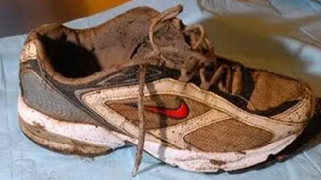 21.yüzyılın en gizemli olayı! Sahile vuran onlarca ayakkabının içinde kopmuş ayaklar bulundu