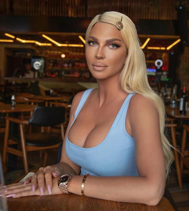 Yasak aşk iddiasıyla olay olan eski yenge Jelena Karleusa paylaşımıyla eşini yere göğe sığdıramadı