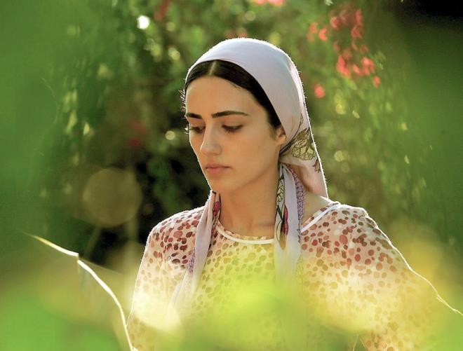 'Benim için acılıydı' diyen güzel oyuncu Selin Genç, tecavüz sahnesiyle ilgili ilk kez konuştu