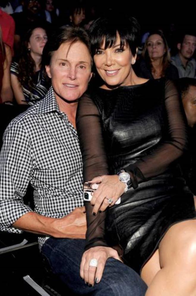 Kris Jenner'dan olay itiraf: Sevgilimle ilişkiye girdiğimizde kızım yatağın altındaymış