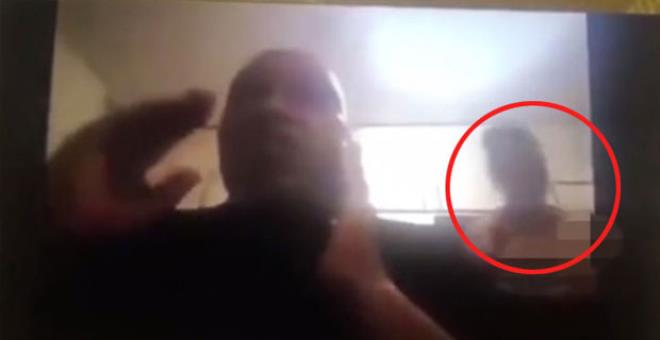 Politikacının eşi Zoom toplantısı sırasında çırılçıplak kamerada görününce olanlar oldu!