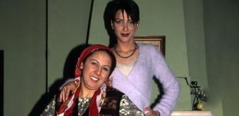 Yonca'yla tanıyıp Berna ile hayran olmuştuk! 90'lı yılların kızıl saçlı güzeline yıllar acımadı
