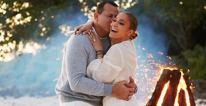 2021'nin ilk bomba ayrılık haberi geldi! Jennifer Lopez, uzatmalı nişanlısı Alex Rodriguez'den ayrıldığını duyurdu