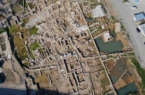 arkeologlar-kazmayi-topraga-her-vuruslarinda-719449_7635_8_o.jpg
