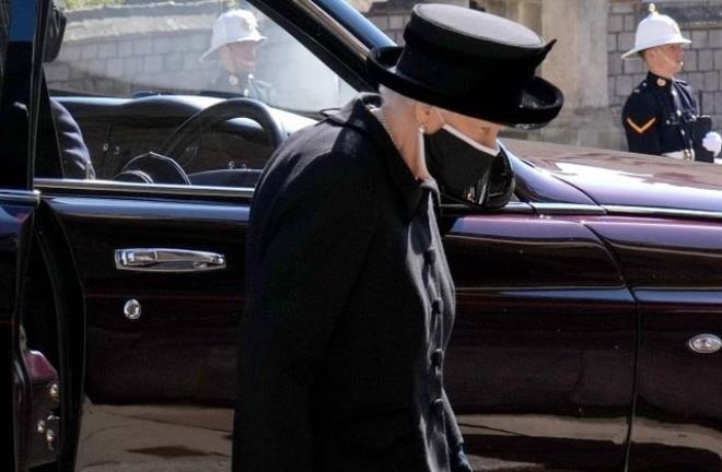 Prens Philip'in cenaze töreninde şıklık yarışı! Sarayın gelini tepeden tırnağa göz kamaştırdı