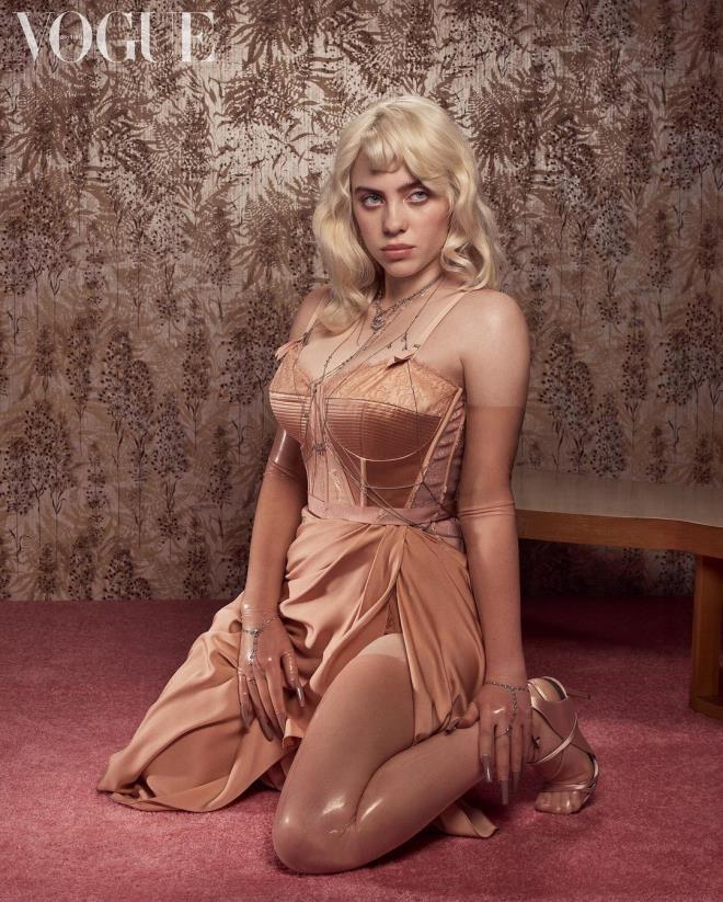 'Cinselleştirilmek istemiyorum' diyen Billie Eilish, kabak çiçeği gibi açıldı