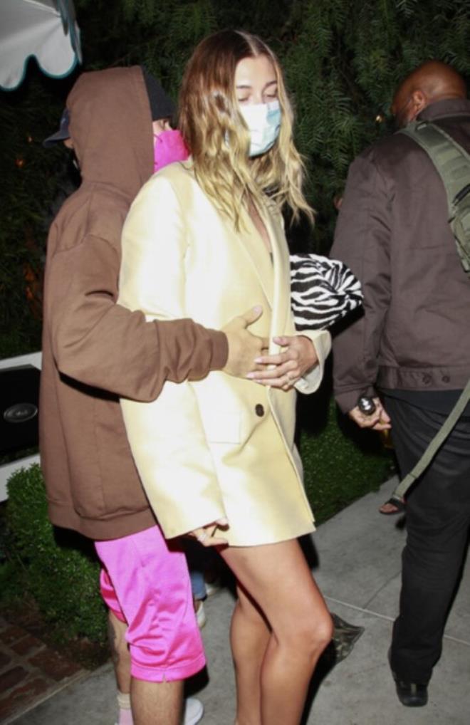 Justin Bieber'ın eşini paparazzilerden koruma çabası pes dedirtti