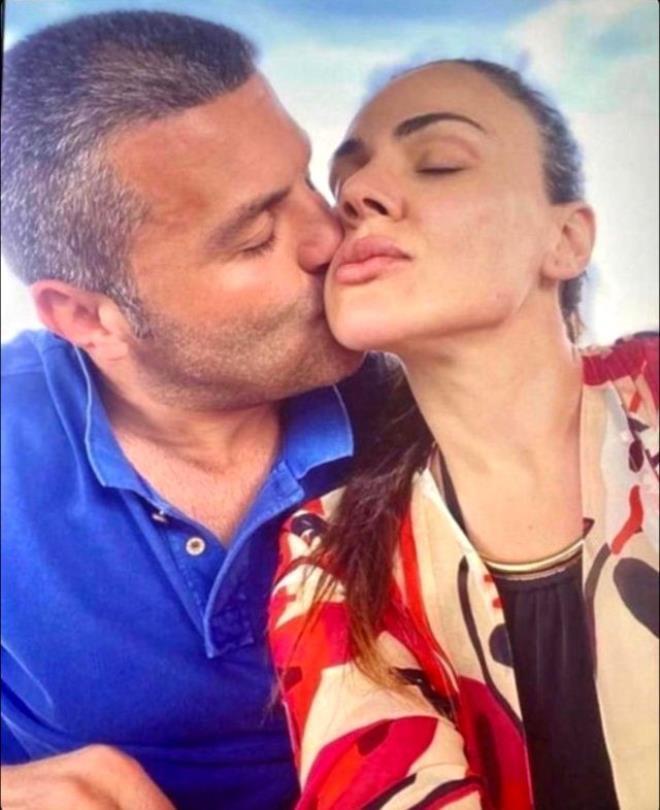 Yalanlasalar da kameralardan kaçamadılar! Sibel Can ve Emir Sarıgül aşkı belgelendi