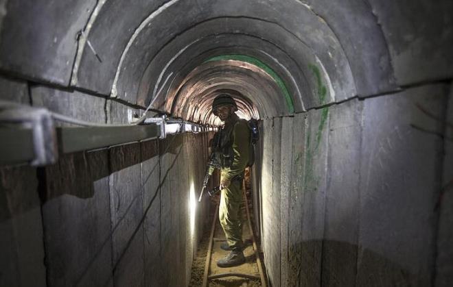 İsrail'in yok etmek için var gücüyle bombaladığı Hamas'ın tünelleri ilk kez görüntülendi