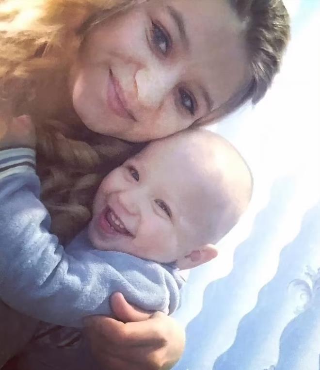 Hayatlarının en acı ihmali oldu! Yatağını pencere önüne koydukları bebekleri 14'üncü kattan düştü